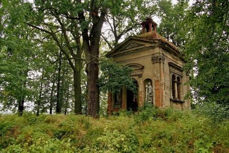 Hrobka rodu von Baillou Hustopeče nad Bečvou