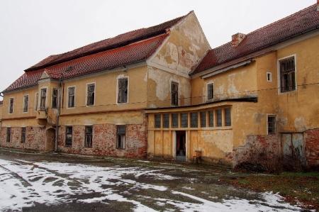 Zámek Dyjákovice